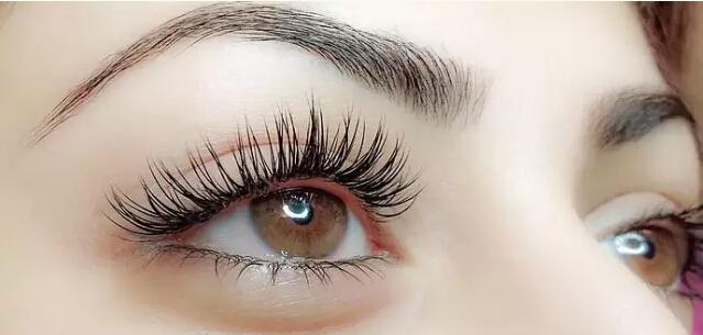 眼部皮肤过敏_嫁接睫毛眼部过敏问题怎么解决?